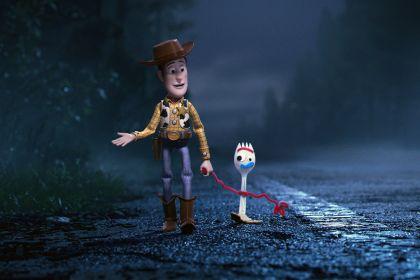 TS4 - Woody y tenedor
